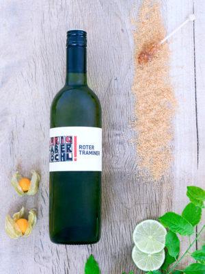 Eine Flasche Roter Traminer vom Weingut Faber-Köchl