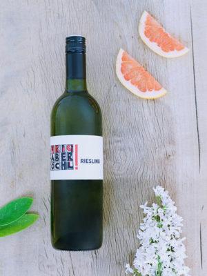 Eine Flasche Riesling des Weingut Faber-Köchl
