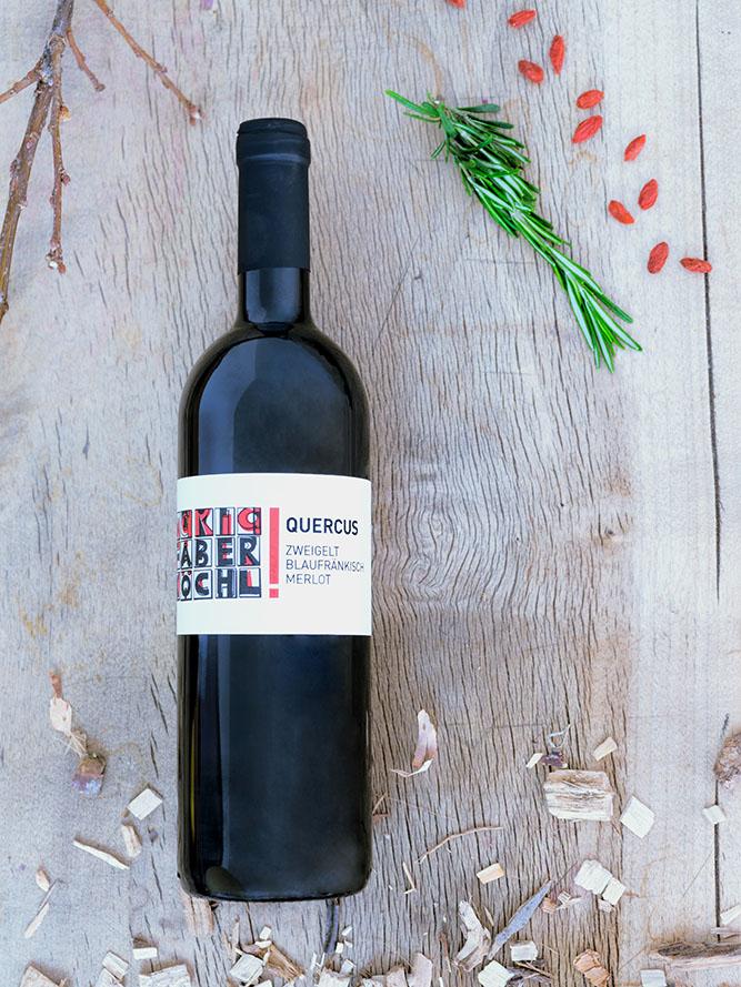 Eine Flasche Quercus vom Weingut Faber-Köchl